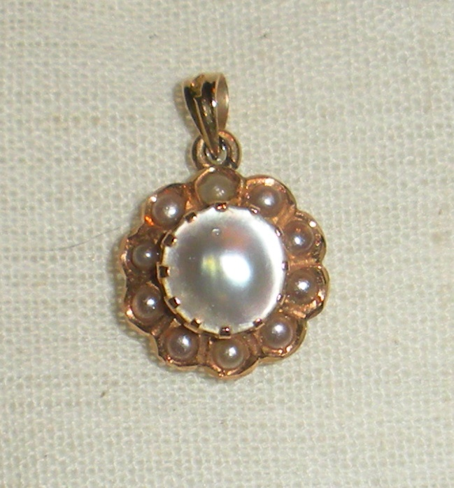 10k gold, mabe pearl pendant.