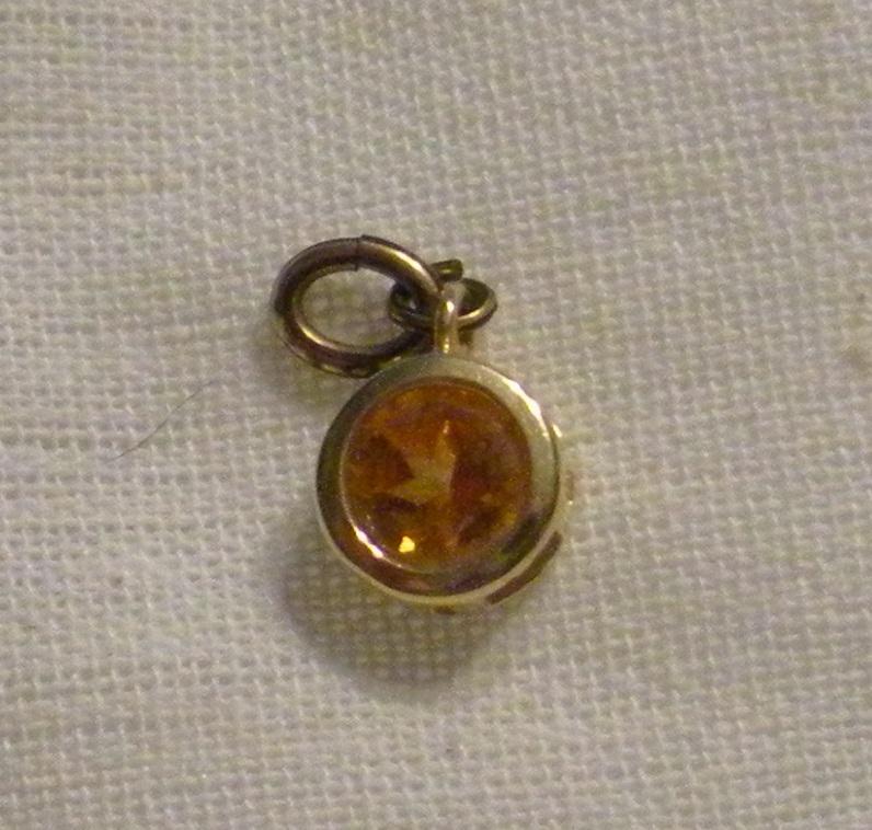 14k gold citrine pendant.