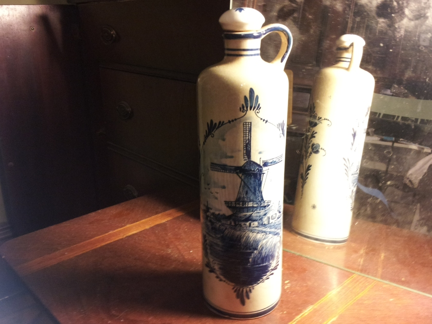 Delft BOLS liquor bottle with original stopper $5