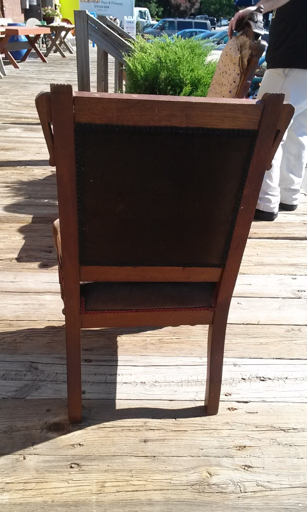 "This is the back view of the ""little chair""."